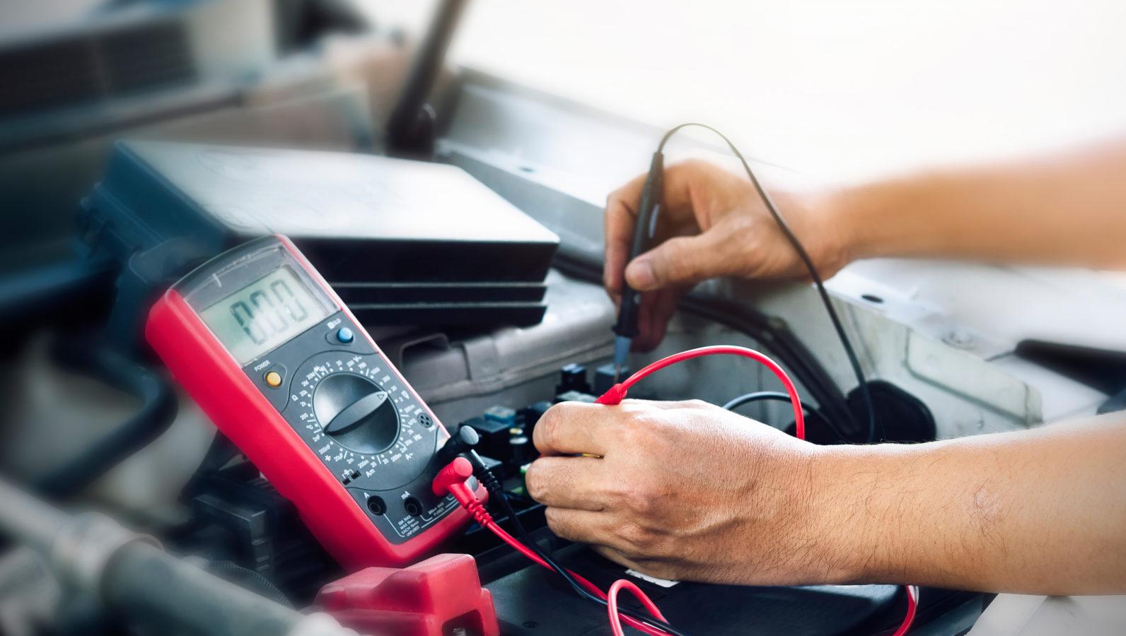 Pannenursache Autobatterie: So bleibt Ihr Stromspeicher fit
